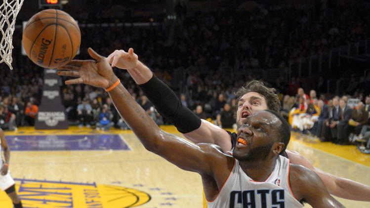 Bobcats hand Lakers 6th straight loss, 110-100