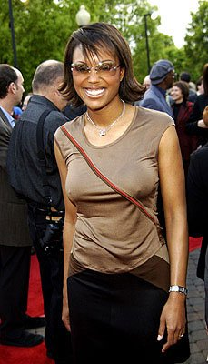 Premiere: Aisha Tyler at the LA premiere of Paramount's Changing Lanes - 4/7/2002