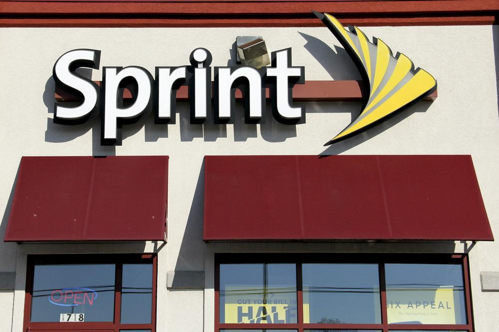 Sprint slashes its family plan price to $150 with four lines of unlimited talk, text, and data