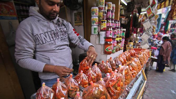 India's parliament permits foreign retailers entry