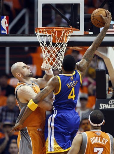 Landry's big fourth leads Warriors past Suns 87-85