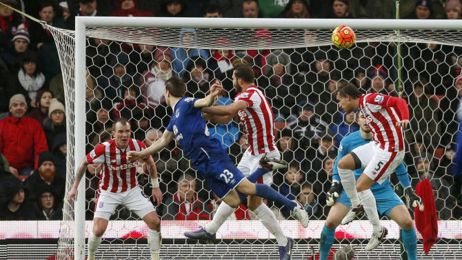 Seamus Coleman scores the second goal for Everton