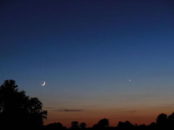 Catch Elusive Mercury in June's Night Sky