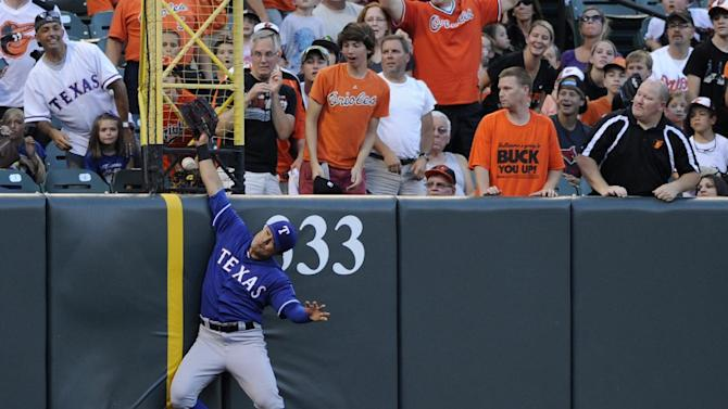 Orioles hit 3 HRs, cruise past sinking Rangers 8-3