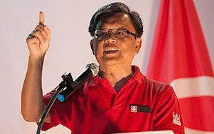 SDP candidate Tan Jee Say will not hesitate to tell his credentials. (Yahoo! photo/Faris Mokhtar)