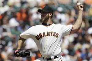 Bumgarner leads Giants past Brewers 5-2