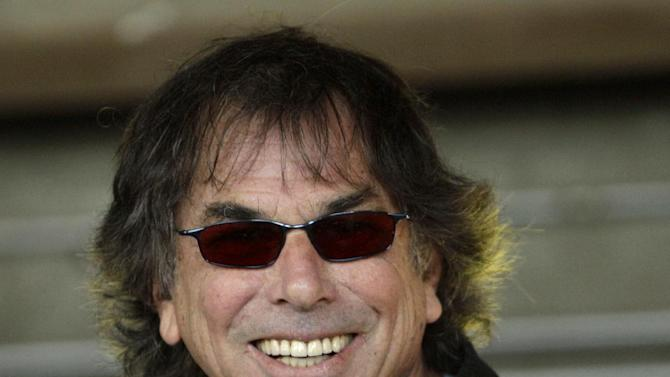 FILE - In this Aug. 9, 2010 file photo, Grateful Dead drummer Mickey Hart speaks in San Francisco. From rare audio interviews of former slaves to recordings by Donna Summer and the Grateful Dead, 25 sounds that shaped the American cultural landscape are being inducted into the National Recording Registry. (AP Photo/Ben Margot, File)