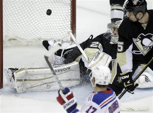 Pens clinch No. 4 seed with 5-2 win over Rangers