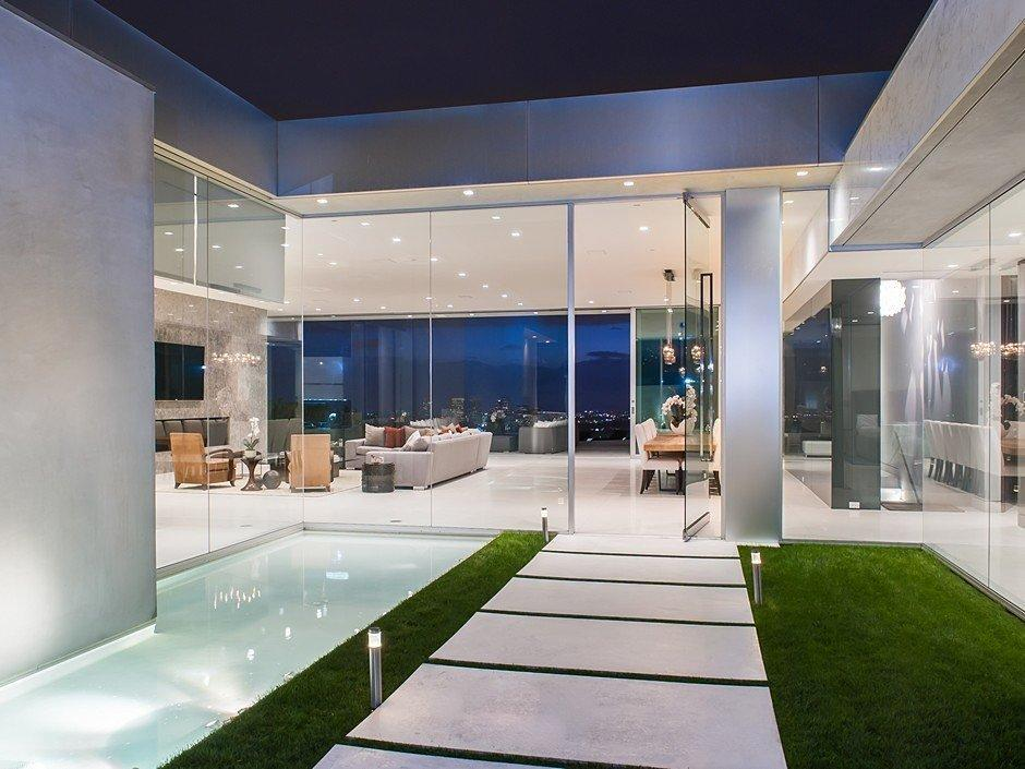 Bachelor Pads: Rent the Winklevoss Twins' Very Manly Minimalist Mansion