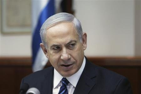 Israel's Prime Minister Benjamin Netanyahu speaks during the weekly cabinet meeting in Jerusalem May 19, 2013. REUTERS/Ronen Zvulun