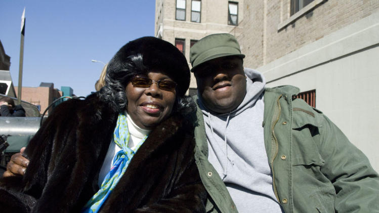 Producer Voletta Wallace Jamal Woolard Notorious Production Stills Fox Searchlight 2009