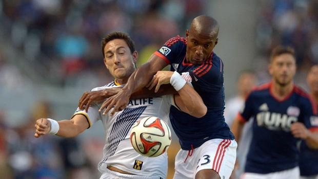 New England Revolution complete transfer of Jose Goncalves, excercise 2014 options on 10 others