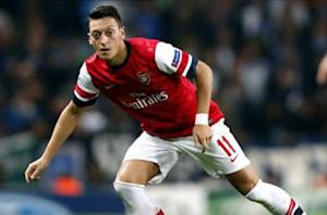Wenger: No pressure on Ozil
