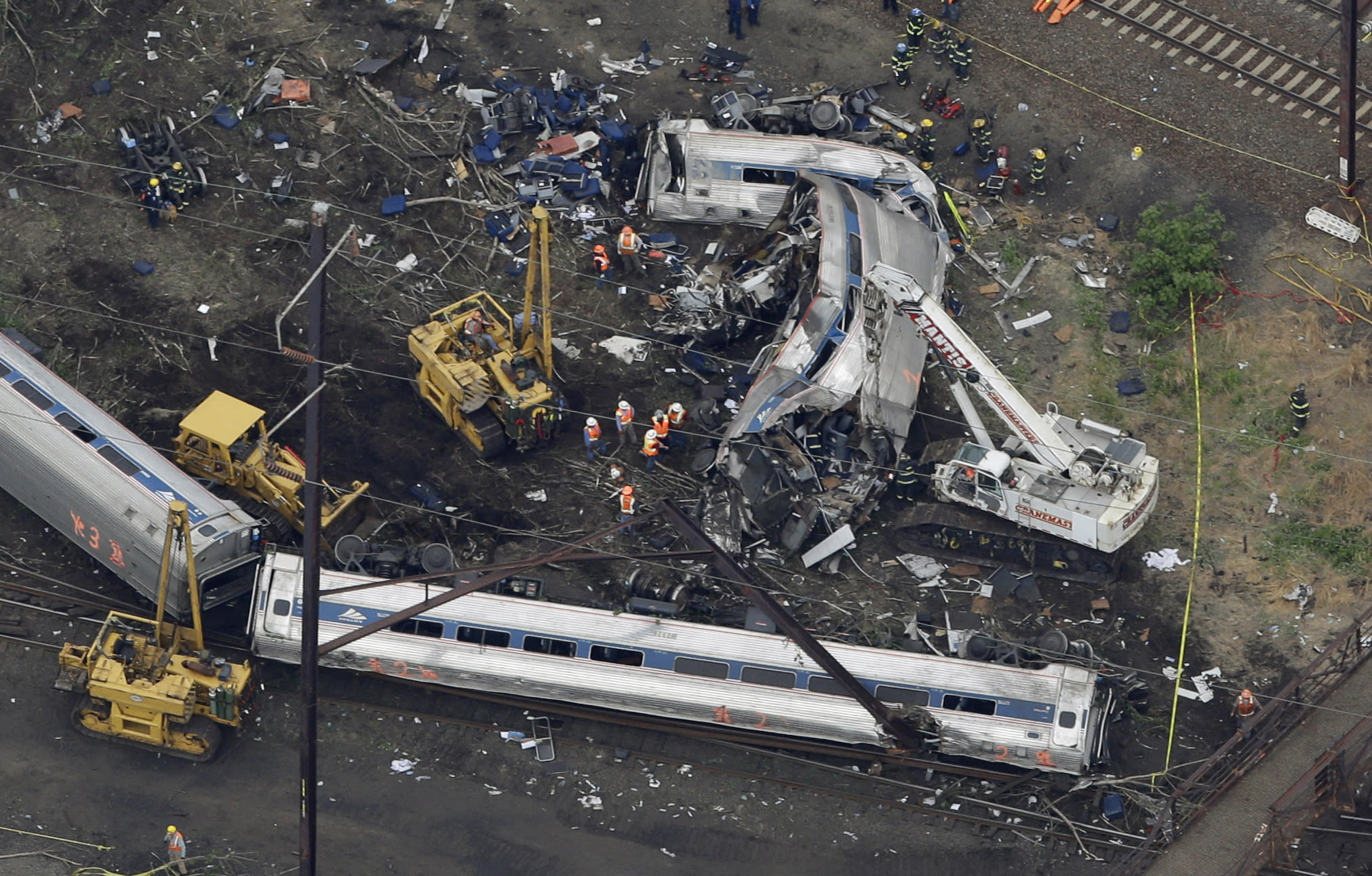 Feds trying to determine if Amtrak engineer was using phone
