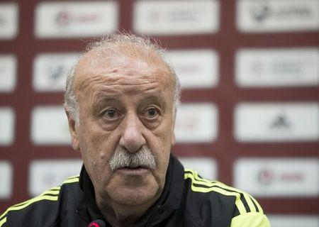 Spain's soccer coach Vicente Del Bosque attends a news conference in Minsk