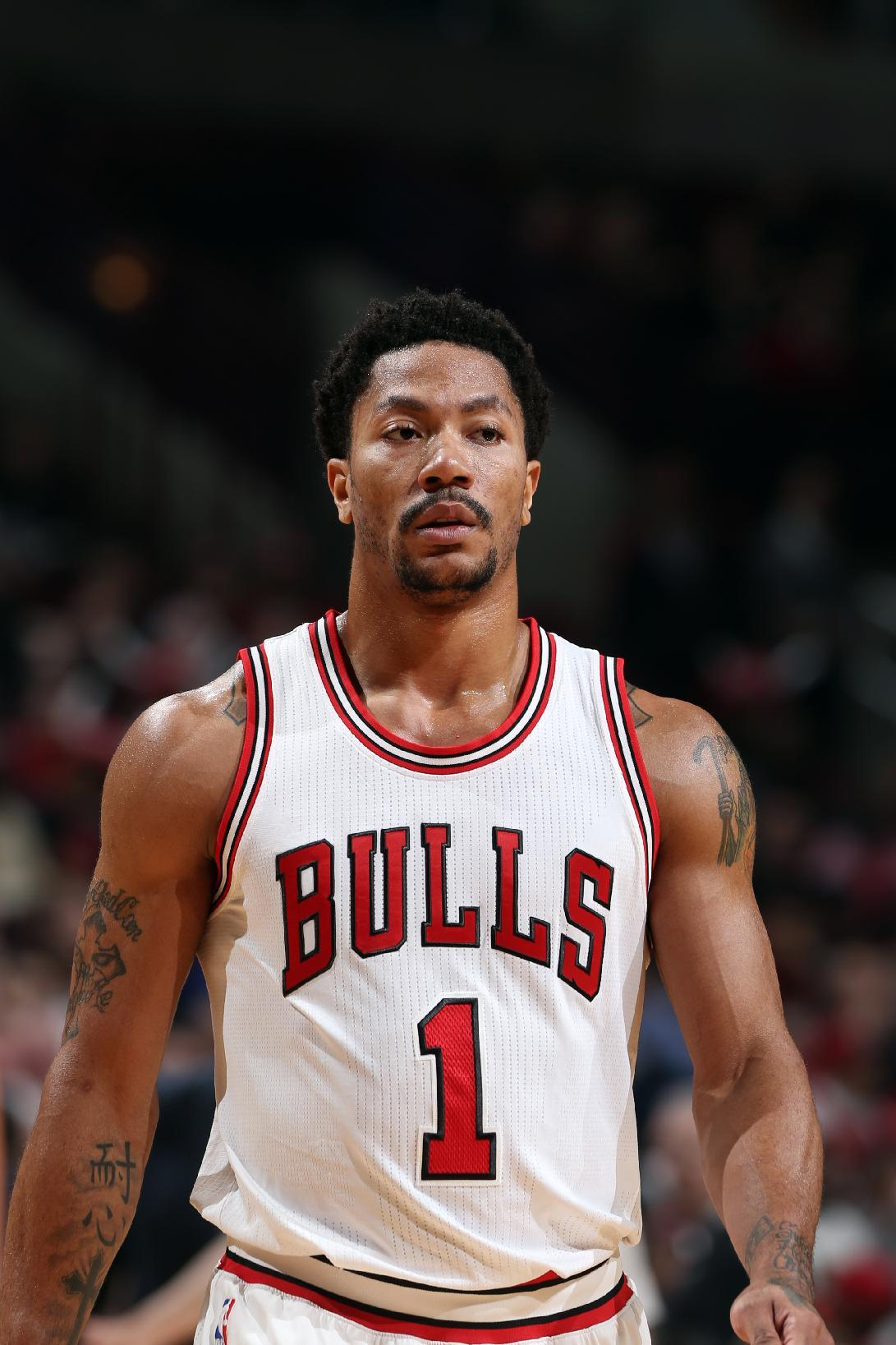 Chicago's Rose out again with knee injury, needs surgery