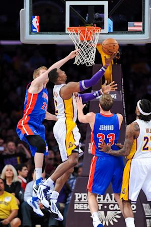 Lakers top Pistons 108-79, finally get 1st win
