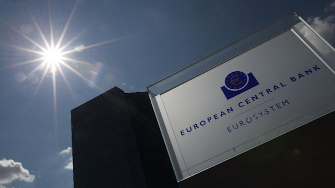 The European Central Bank's governing council has decided to maintain the emergency liquidity assistance keeping Greek banks afloat at the level set on June 26