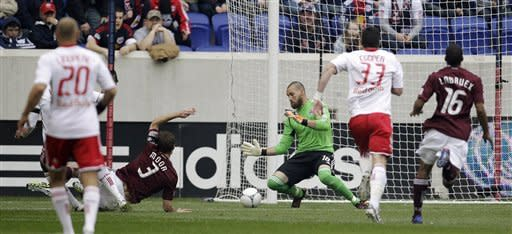 Henry scores twice as Red Bulls rout Rapids 4-1