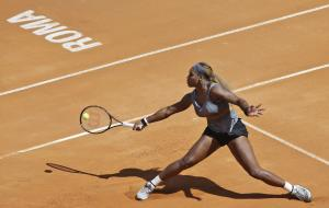 Serena Williams returns the ball to Italy's Sara …