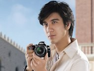Wang Leehom attacked for praising Japanese product