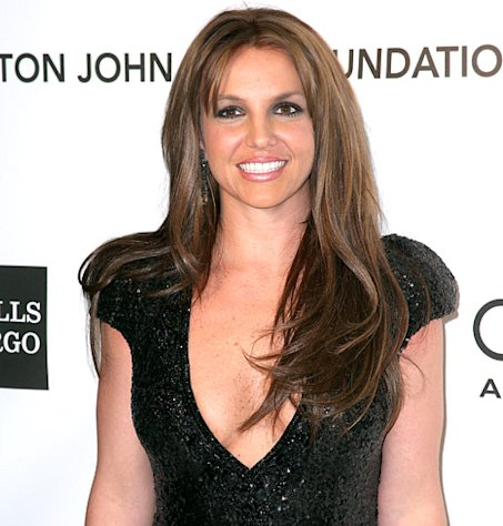 Britney Spears Goes Brunette, Debuts New Hair Color at Elton John's Oscars Party