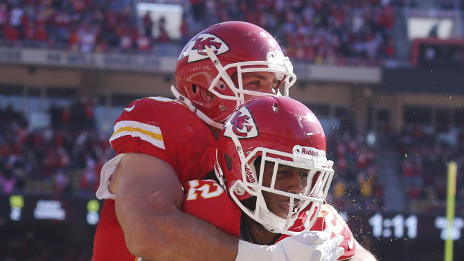 Chiefs hold on to beat Browns 23-17, stay unbeaten