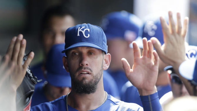 Gordon, Shields lead Royals past Indians 6-2