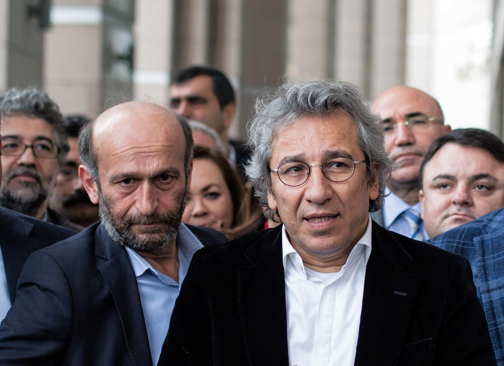 2 Turkish journalists jailed over Syria smuggling reports