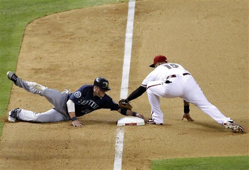 Mariners rally to beat Diamondbacks