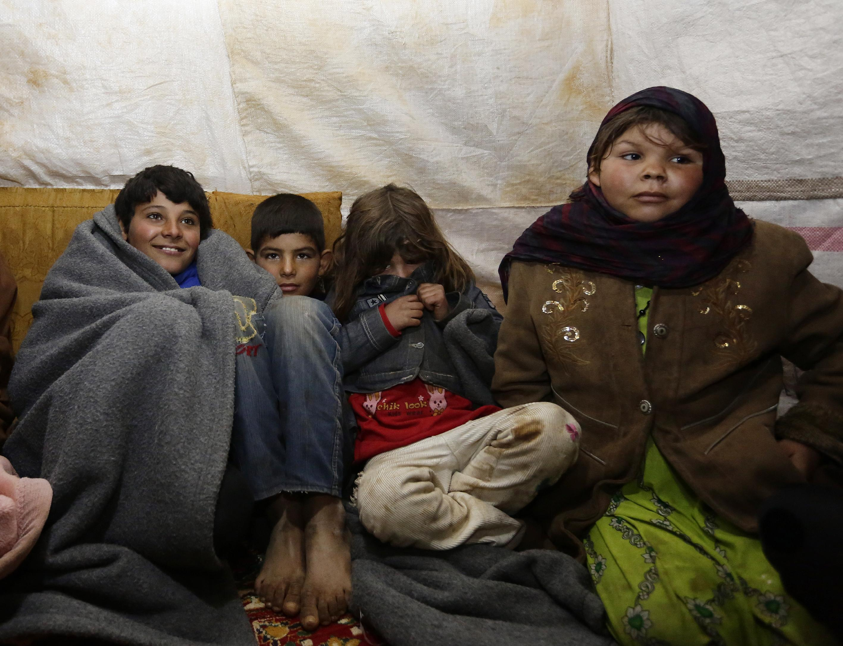 Syria refugees suffer bitter cold of Lebanon winter