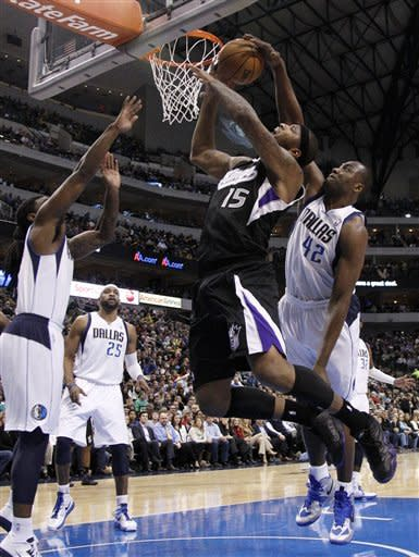 Mavericks win 17th straight at home against Kings