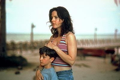 Mary-Louise Parker in Universal's Red Dragon