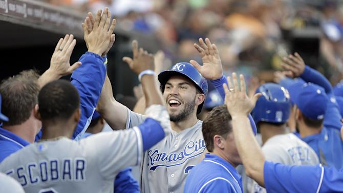 Royals beat Tigers 11-8 to pull within half-game
