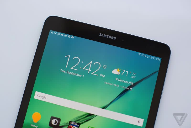 Nook's newest life-form is the Samsung Galaxy Tab S2