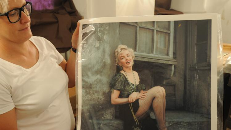 Poland plans to auction Marilyn Monroe photos