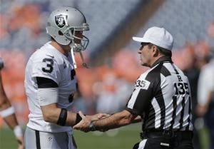 Manning leads Denver to 37-6 win over Oakland