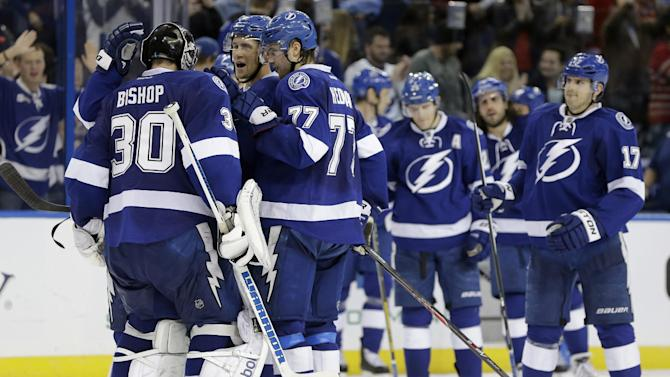 Lightning top Sens 4-3 in shootout