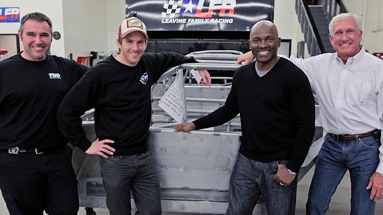 Former Pro Bowl WR brings NFL glory to NASCAR