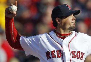 Beckett rebounds, Red Sox pound Rays 12-2