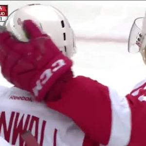 Riley Sheahan Goal on Cory Schneider (03:50/1st)