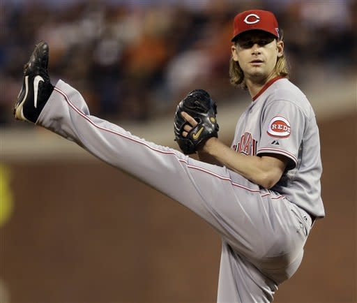Arroyo gem puts Reds up 2-0 on Giants in NLDS