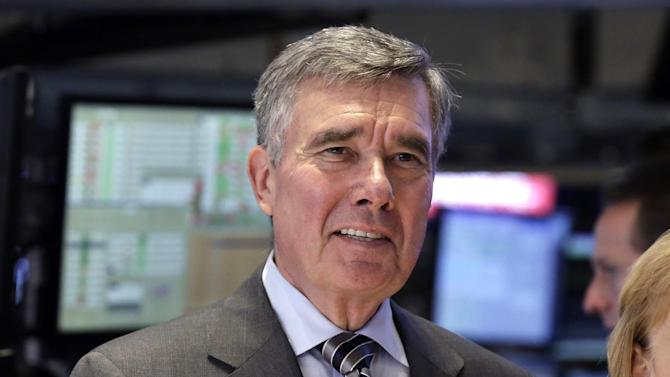 """FILE - U.S. Customs and Border Protection Commissioner R. Gil Kerlikowske poses for photos after ringing the New York Stock Exchange closing bell, Tuesday, Aug. 5, 2014 file photo. Kerlikowske scheduled a news conference Thursday Sept. 18, 2014 in Washington to discuss what his office said were """"developments toward CBP's commitment to increase transparency and accountability."""" (AP Photo/Richard Drew, File)"""