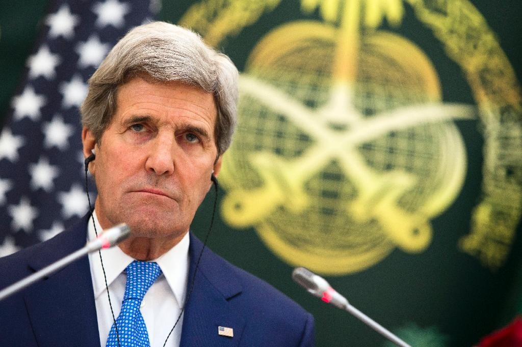 John Kerry in surprise Somalia visit