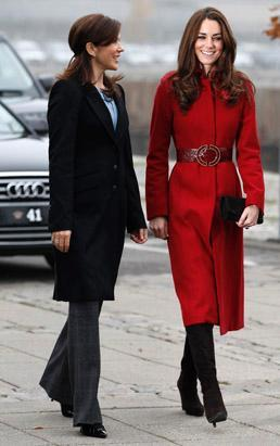 gty_kate_middleton_red_coat_dm_111102_ssv.jpg