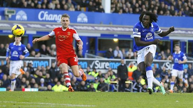 Romelu Lukaku scores the winning goal for Everton against Southampton (Reuters)