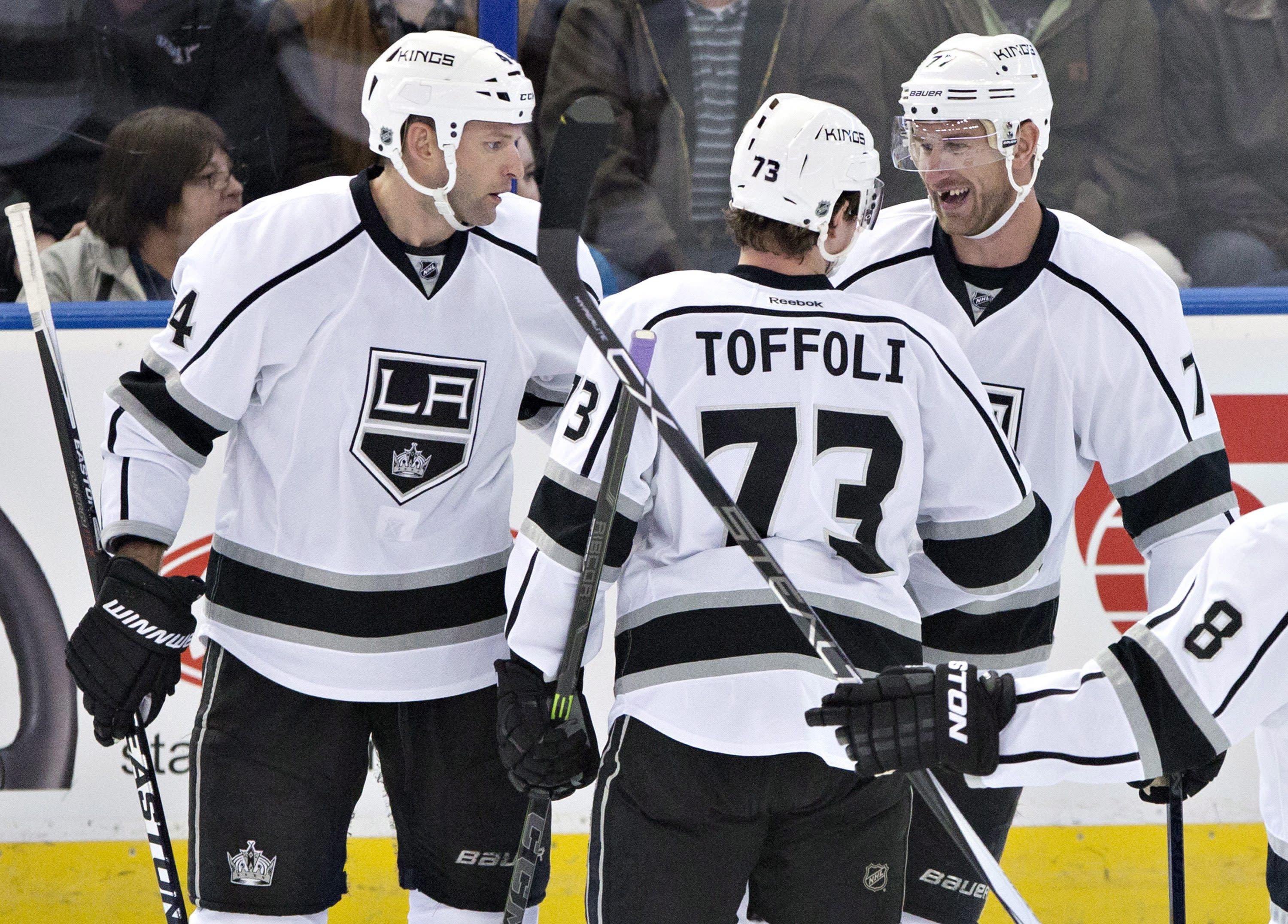 Kopitar, Lewis lead Kings past Oilers 5-2 to stop skid