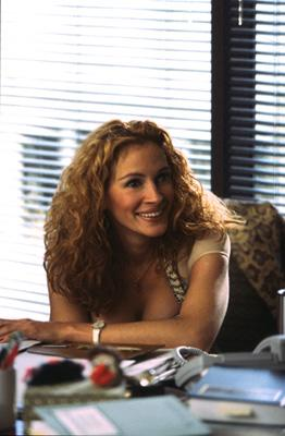Julia Roberts stars as the title character in Universal's Erin Brockovich
