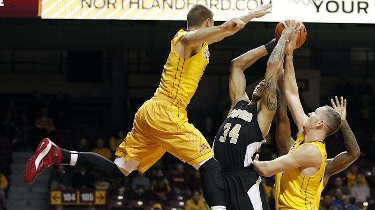 Minnesota blows out Wofford 79-57 in Maui warm-up