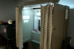 800px-University_at_Buffalo_voting_booth